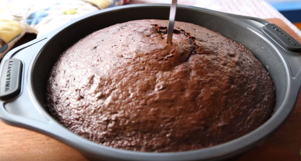 Cake bake and remove from oven